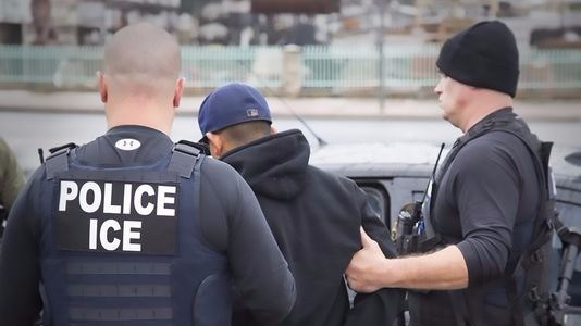 ICE detains 26 offenders reporting for community service in Fort Worth