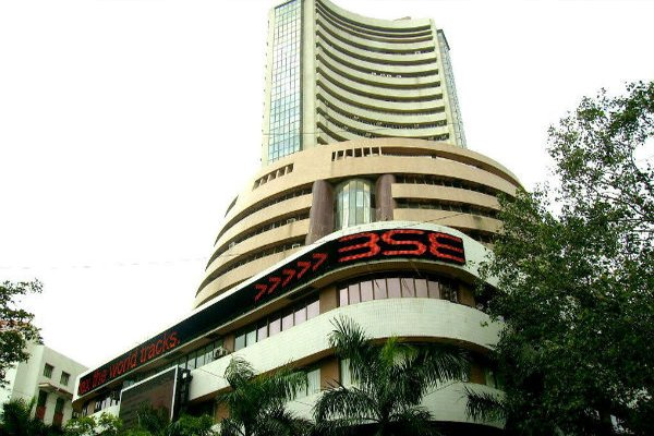 Sensex starts new array on pale note, Fed limit eyed
