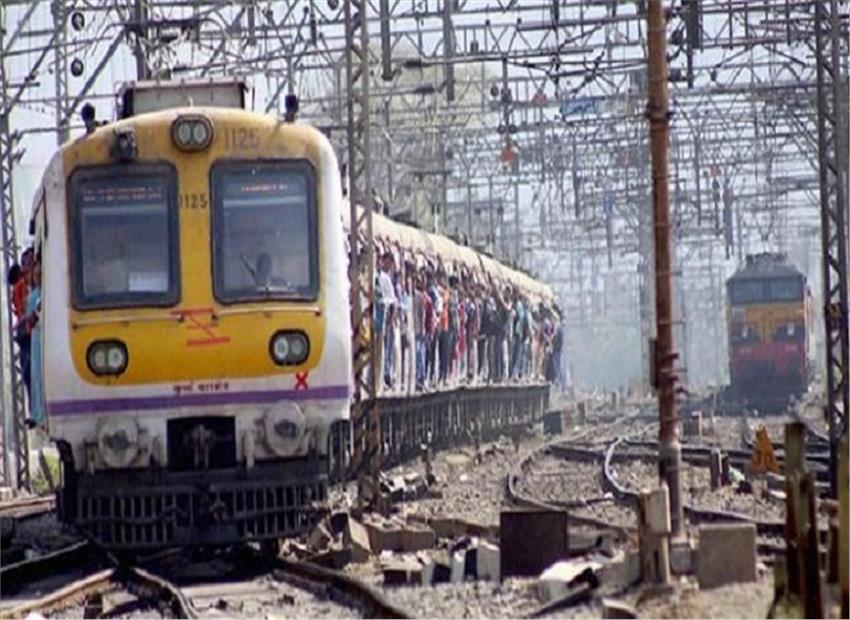 Mumbai Elphinstone station foot over bridge stampede injures 20 and atleast 15 dead