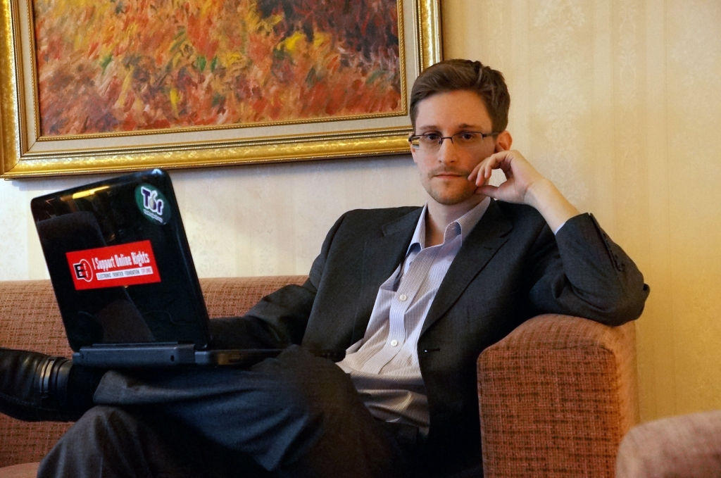 The World's Largest Porn Site Just Asked Obama to Pardon Edward Snowden