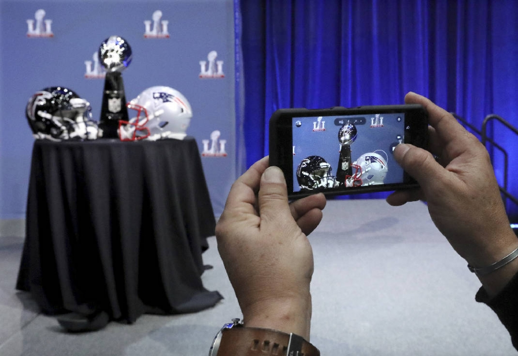 How to Stream the 2017 Super Bowl: Time, Location, and Commercials