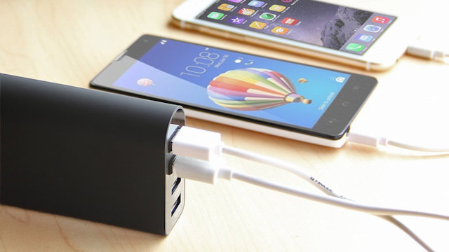 iClever BoostCube 4-Port USB Charger
