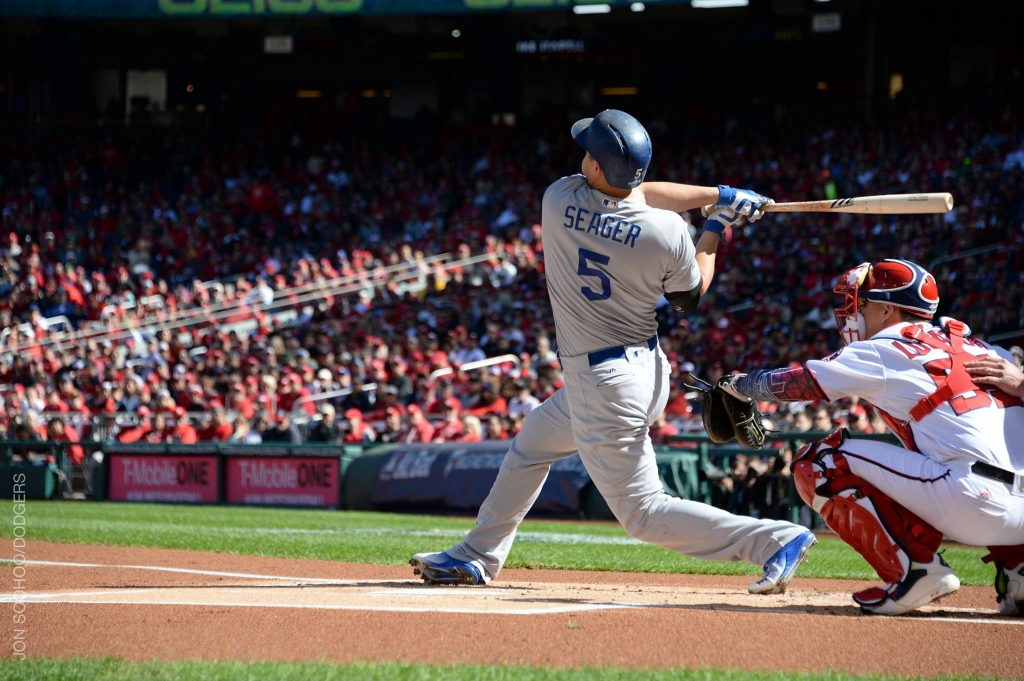Dodgers rookie Corey Seager strike a home-run vs a nationals in Game 2 of playoff series