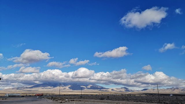 It's a shame that many visitors to Las Vegas only see the Convention sites. I'm lucky enough to be able to drive from California across the Mojave desert to the show and view scenes like this just a few miles from the Neon (well, now mostly LEDs) of the Strip.
